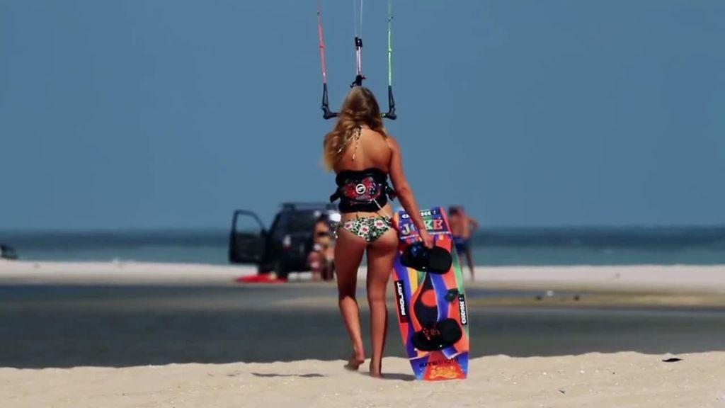 Hannah Whiteley-kiteboarding
