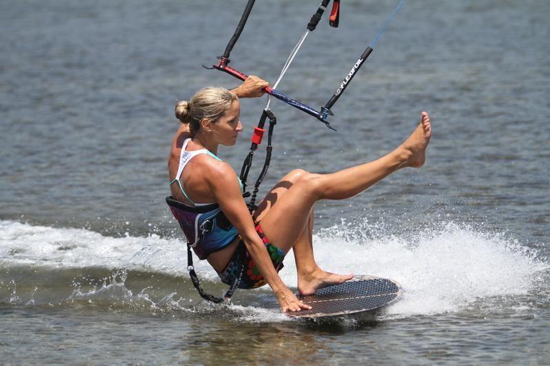 Veronika-Holubova-kitesurf