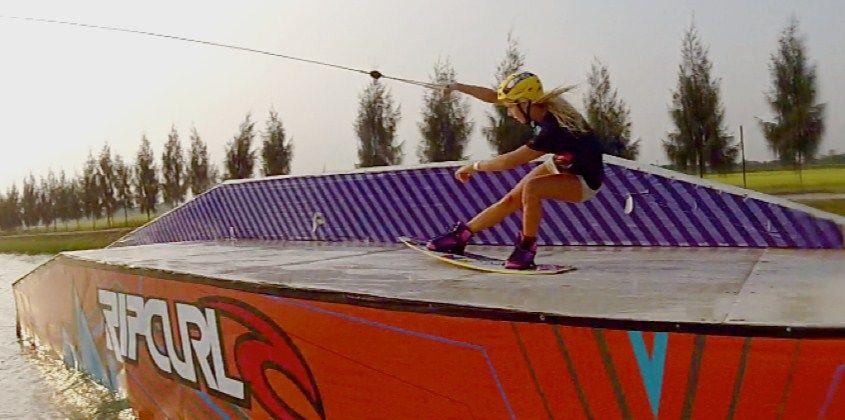 Malin-Amle-wakeboard