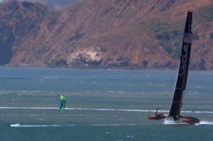 Kitesurf-speed-vs-oracle-team