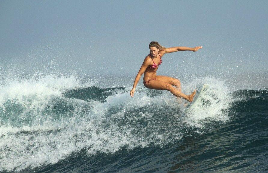 Jalou-Langeree-surfing