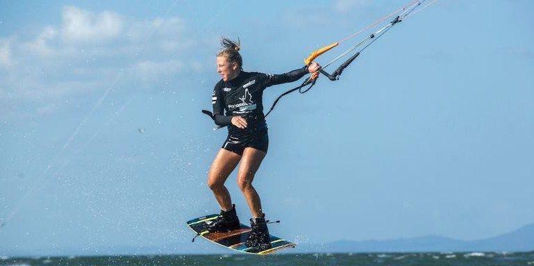 Lindsay McClure-kitesurf