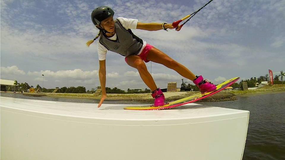 Manuela Jungo-wakeboarding