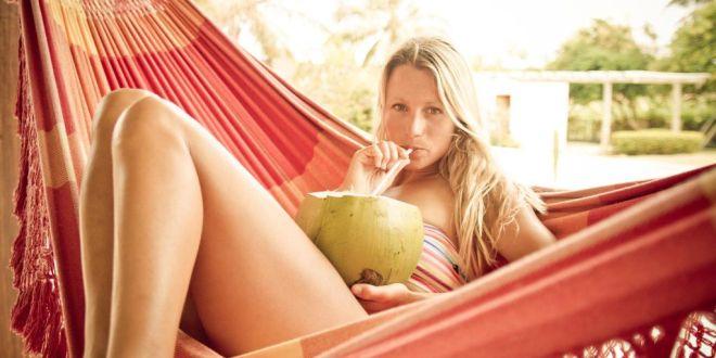 Friday Kitesurf Babe – Manuela Jungo – Back to Wrapped