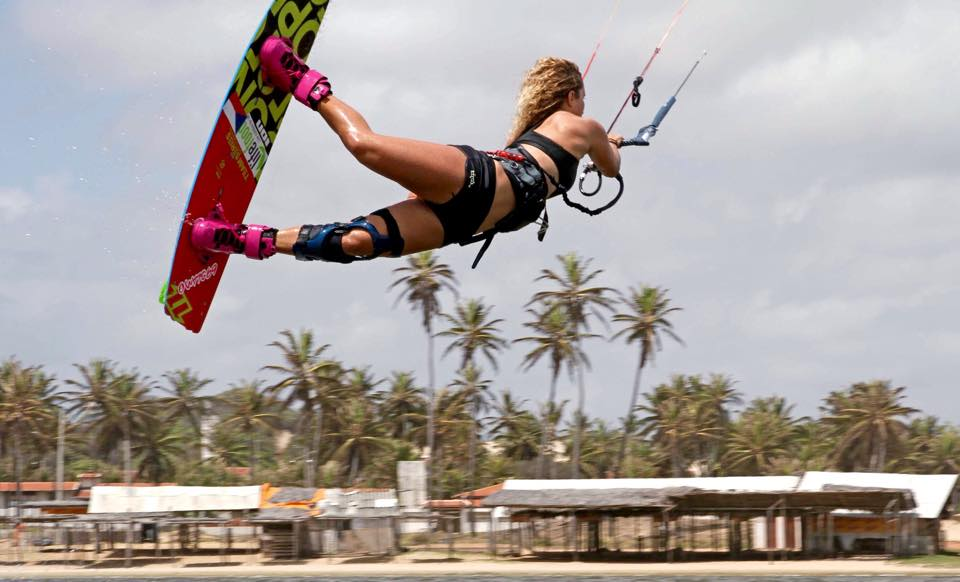 paula-novotna-kitesurf-babe