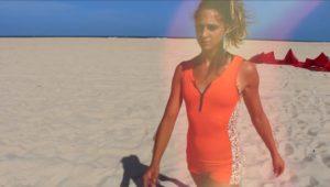 francesca-bagnoli-kiteboarding-babe-freestyle